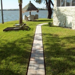 Residential Walkway Resurfaced with Thin Pavers